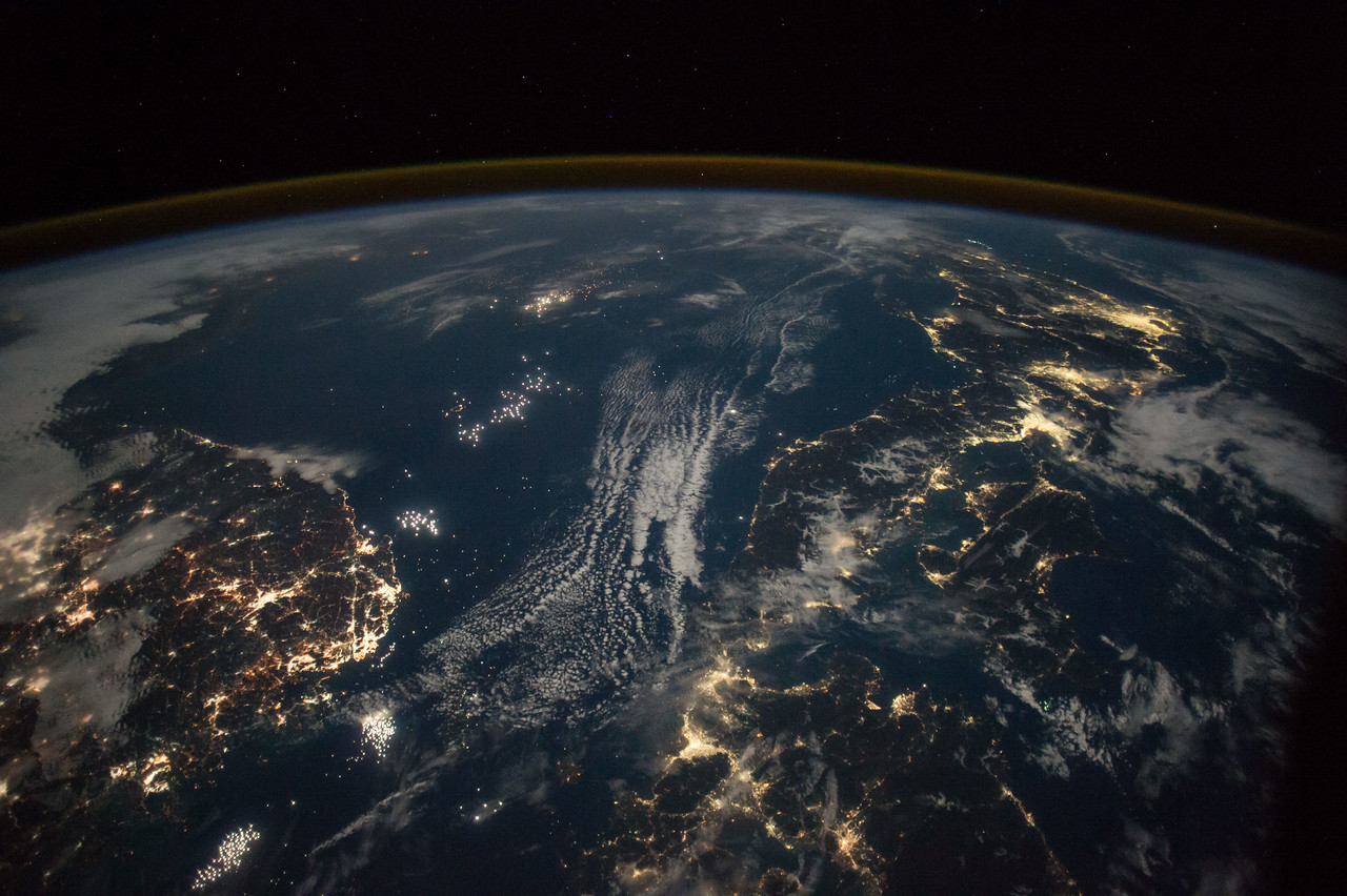 South Korea (left), Japan (right), Sea of Japan (center)