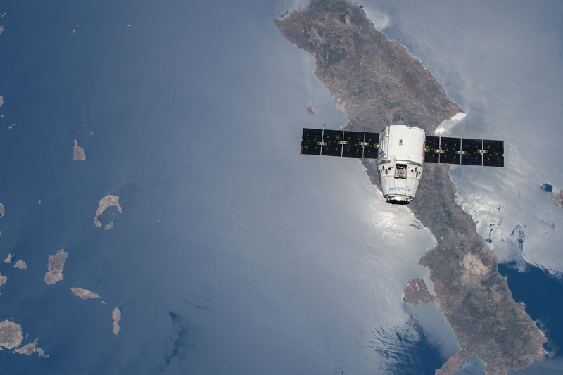 SpaceX Dragon CRS-15 over Crete