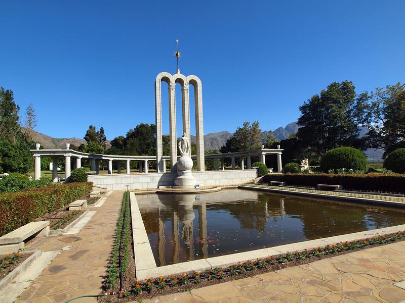 Hugenot Monument, Franshhoek