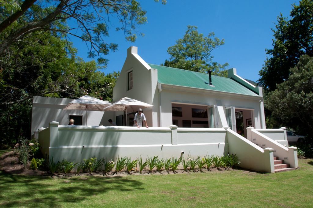 Eagles Nest Vineyard Wine Tasting House - Cape Town Vineyards, South Africa