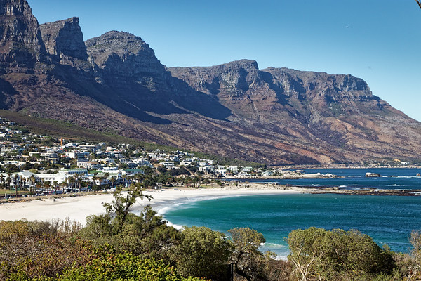 Camps Bay beach andTwelve Apostles mountains