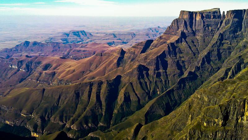 Drakensberg - The Amphitheatre ridge