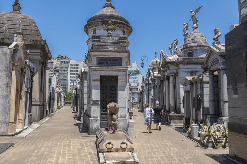 Tour Recoleta Cemetery in Buenos Aries, Argentina