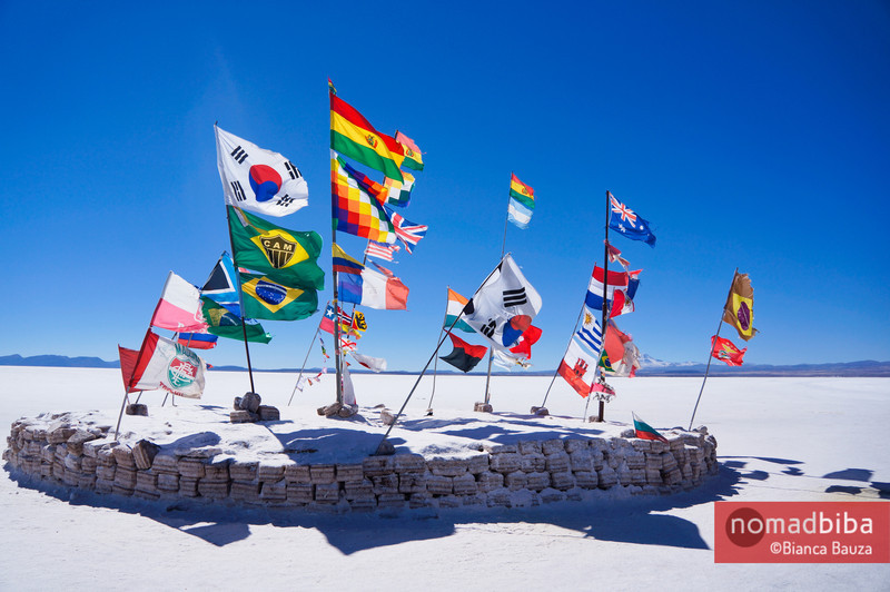 Salar de Uyuni: Flags