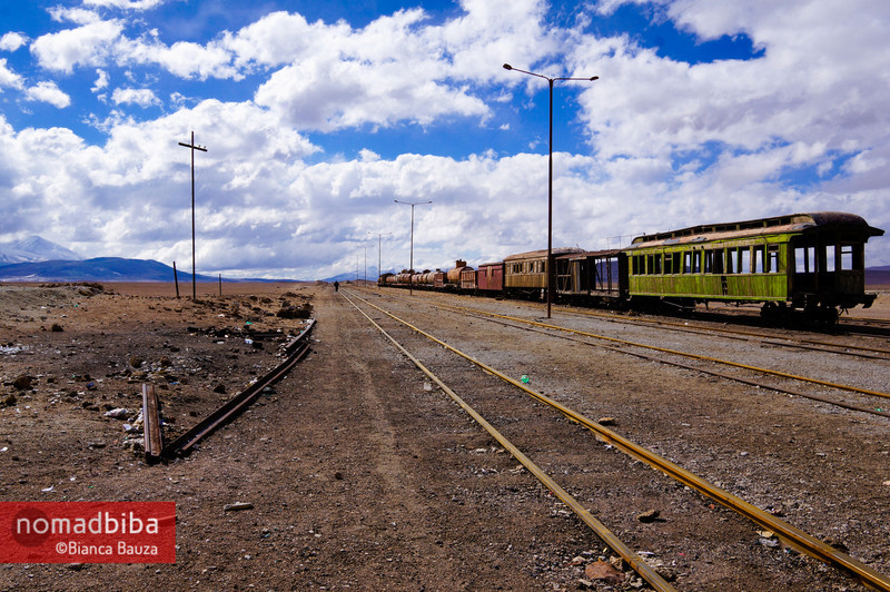 Salar de Uyuni: Abandoned train in Ollagüe, Bolivia