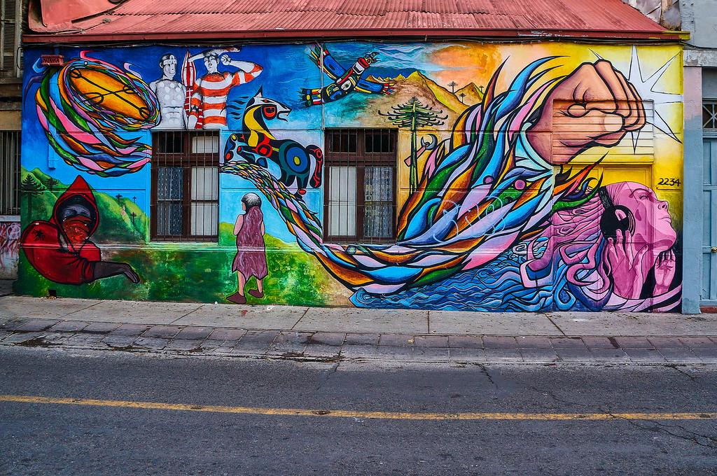 Mural by Muralistas La Matraka in Santiago, Chile