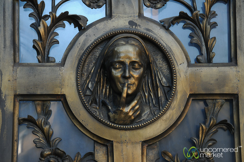 Be Very Quiet - Cementario Genaral in Santiago, Chile