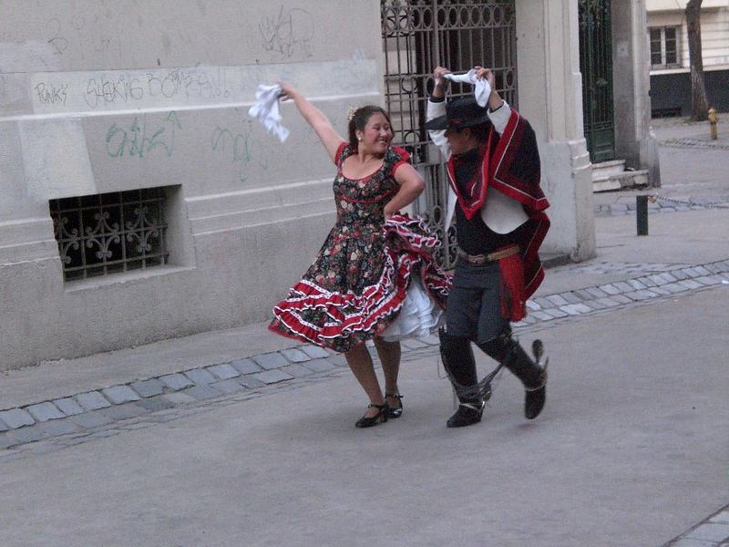santiago dancing couple