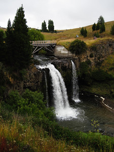 Coyhaique - Waterfall
