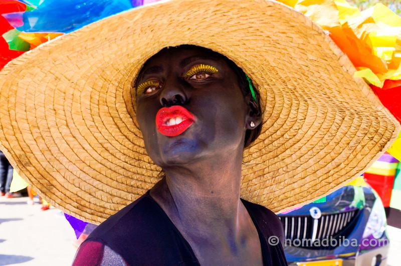 Woman as Son de Negro at Batalla de Flores 2013