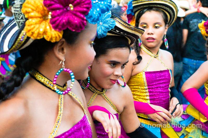 Girls at the Batalla de Flores de Santo Tomás, Colombia