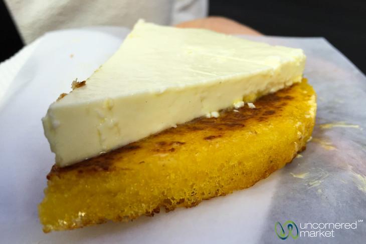 Arepas de Choclo con Quesito - Medellin, Colombia
