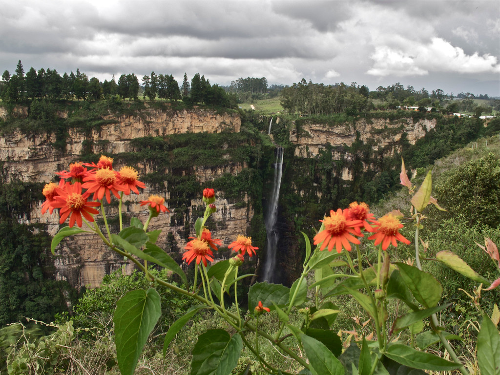 """El Salto del Duende For the story check out my post: <a href=""""http://www.nomadbiba.com/wp/2011/09/la-mojarra-the-sun-shines-in-paradise/""""> La Mojarra – The Sun Shines In Paradise</a>"""