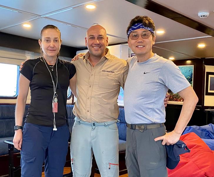 Alicia, Juan Carlos (dive master) & Kevin