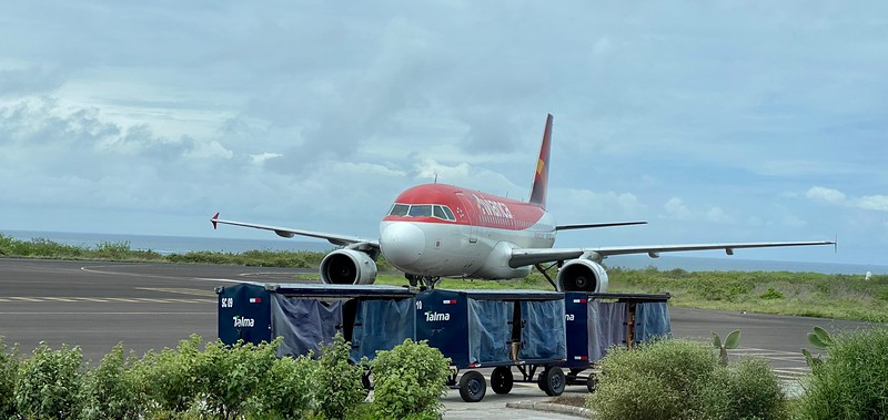 Our Avianca airplane arriving at SCY