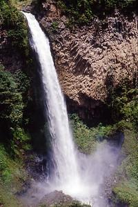 Cascada Monto de la Novia - waterfall near Banos