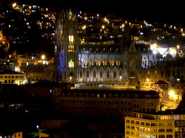 la basilica church at night quito