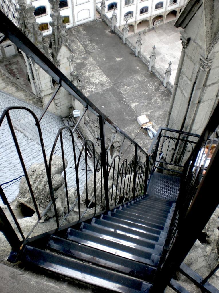 la basilica stairs