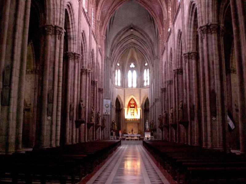 la basilica quito interior