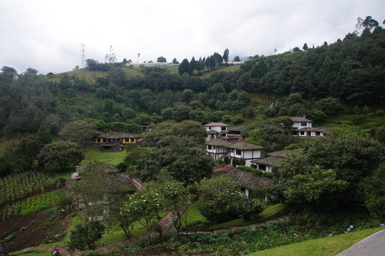 Luna Runtan Resort Above Banos