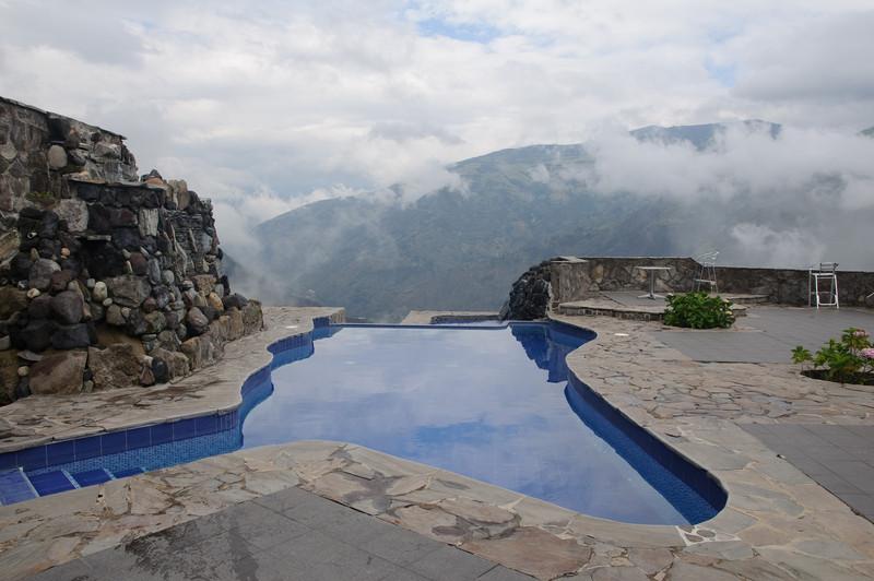 Infinity Pool at Luna Runtan