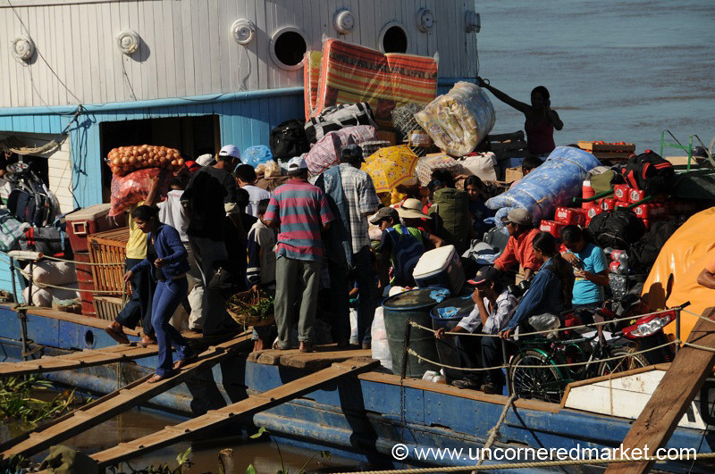 Loading Cargo on the Aquidaban - Concepcion to Vallemi, Paraguay