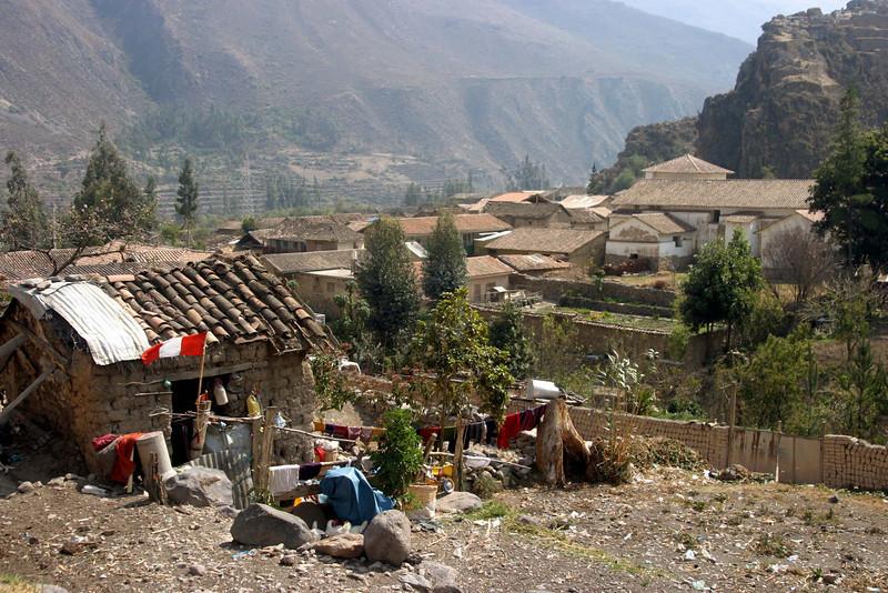 <center>Small House    <br><br>Ollantaytambo, Peru</center>