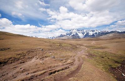 Mount Ausangate, Mount Huahuayocrumi, Mount Ausangate circuit