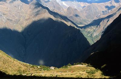 Mountains above Llulluchayoc Gorge and  Llulluchapampa, Inca Trail to Machu Picchu