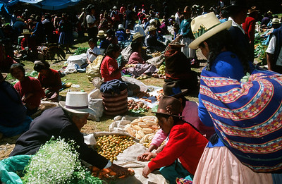 Weekly market in Chinchero