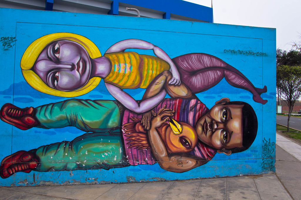 Street art in Lima, Peru by Entes & Pesimo