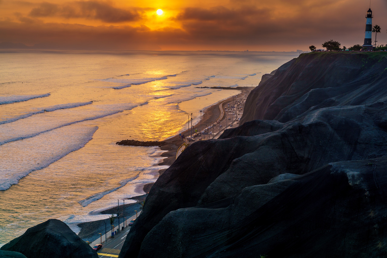 Magnificent sunset on the Pacific Ocean at Lima.