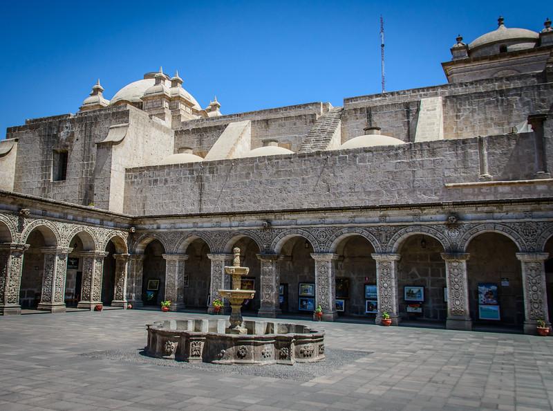 Courtyard - Iglesia de la Compania