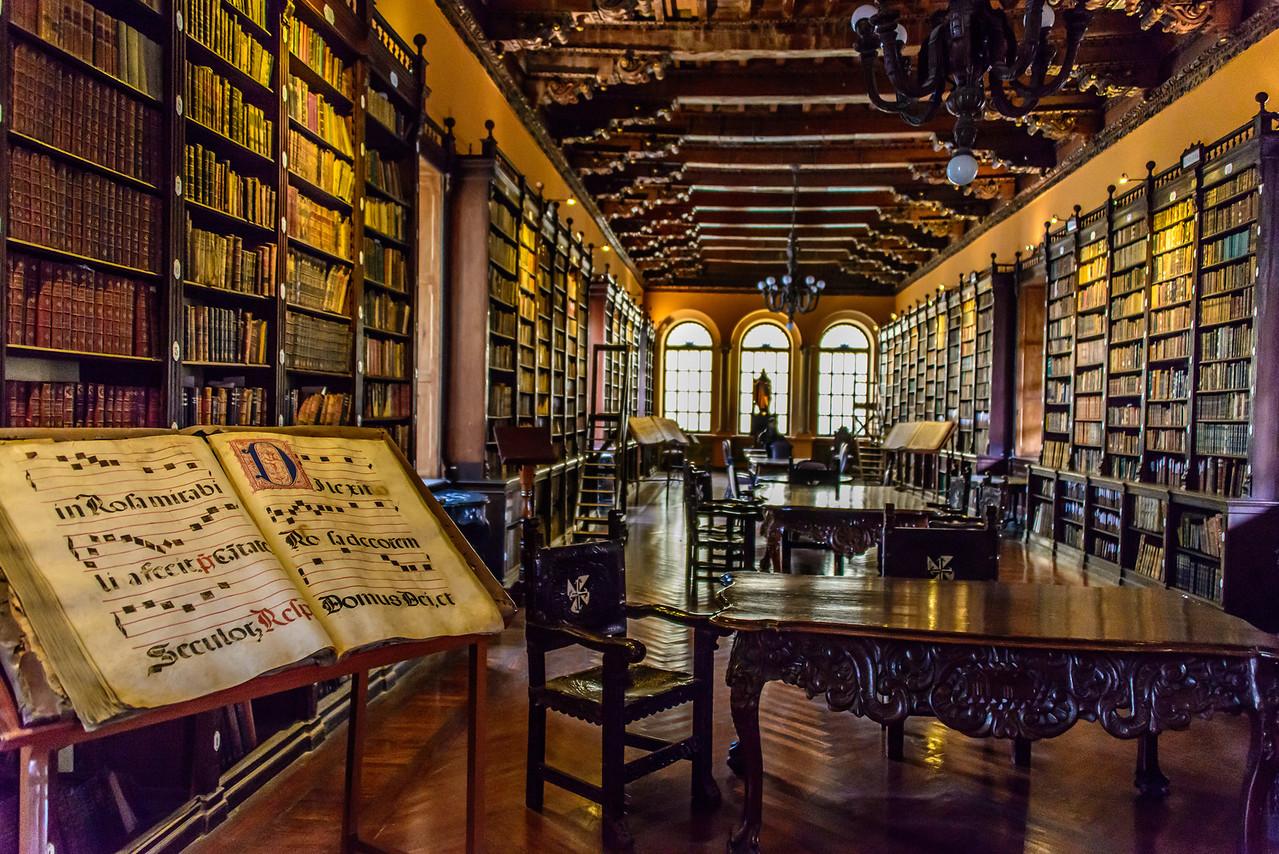 Library, Covento Santo Domingo