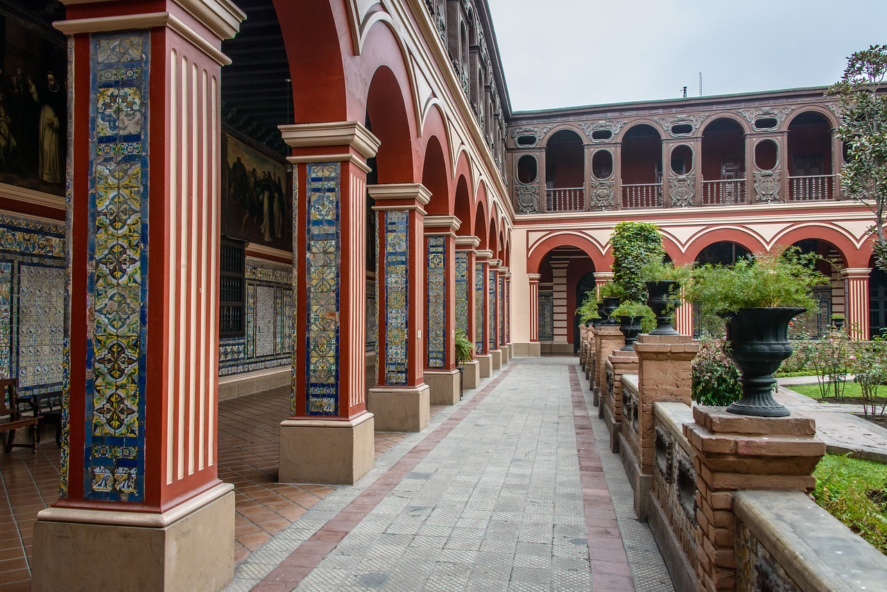Courtyard, Convento Santo Domingo