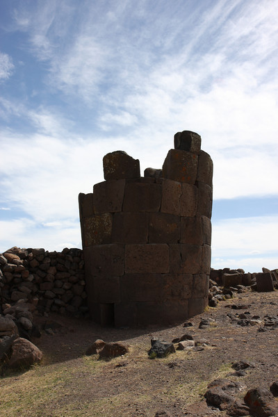 Chullpas (pre-Columbian funeral towers)