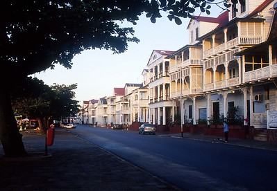 Paramaribo - Waterkant (main waterfront street)