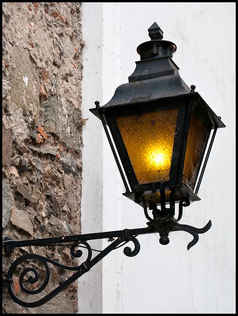 Colonia street light