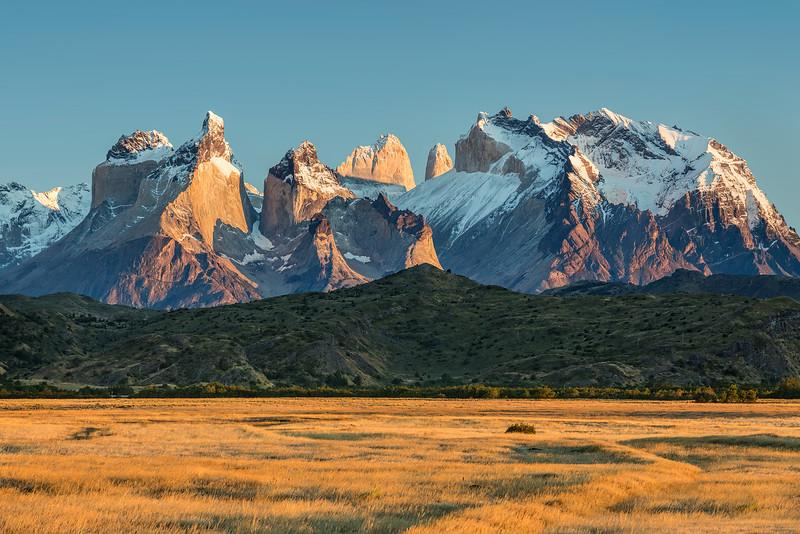Sunrise and Grassland, Torres del Paine