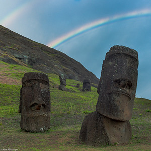 Moai and Rainbow