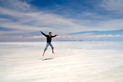 Salar de Uyuni, Bolivia  There are very few visual references to help the brain, resulting in strange scenes and optical illusions.