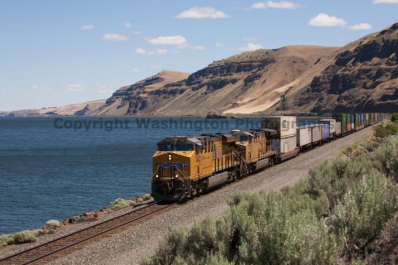 Columbia River Gorge Trains 30