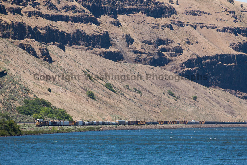 Columbia River Gorge Trains 31