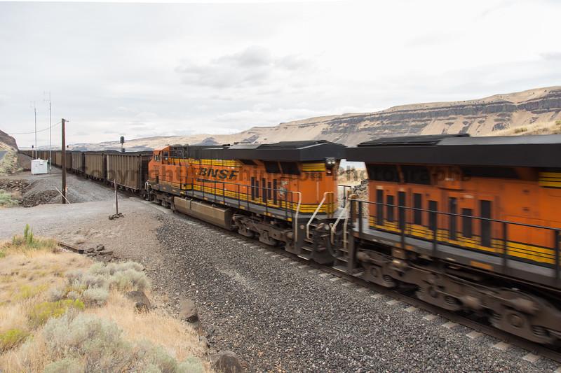Columbia River Gorge Trains 35