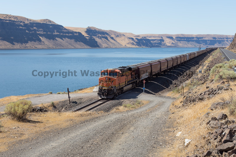 Columbia River Gorge Trains 54