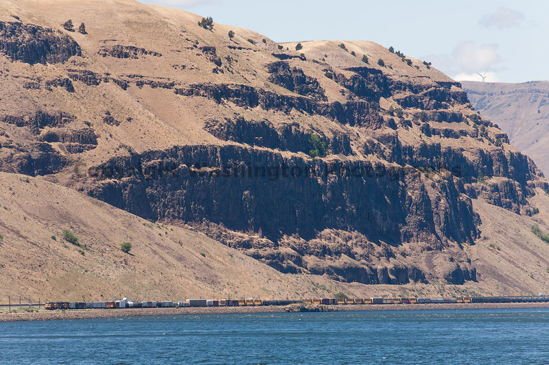 Columbia River Gorge Trains 23