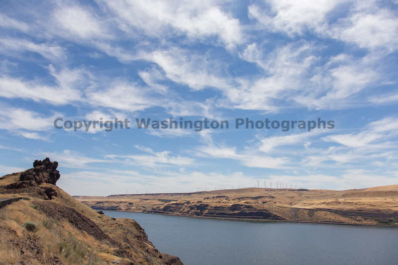 Columbia River Gorge Viewpoint 48