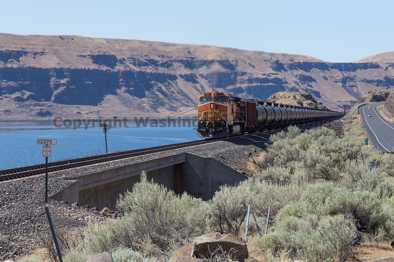 Columbia River Gorge Trains 55