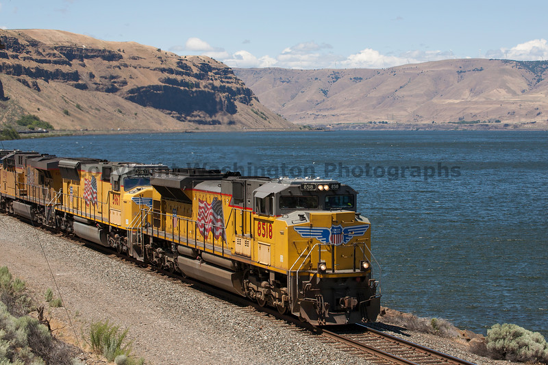 Columbia River Gorge Trains 33