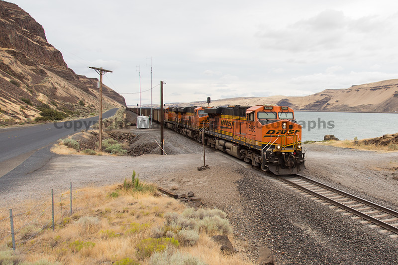 Columbia River Gorge Trains 34